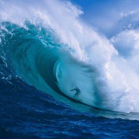 Go surfing in Hawaii - Bucket List Ideas
