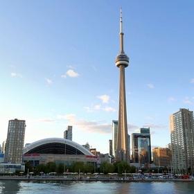 Explore downtown Toronto - Bucket List Ideas
