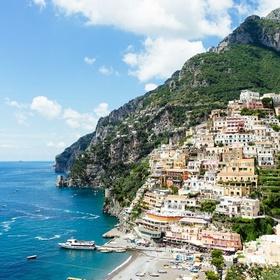 Sail around the island of Capri - Bucket List Ideas