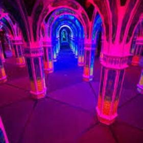 Visit Magowan's Infinite Mirror Maze - Bucket List Ideas