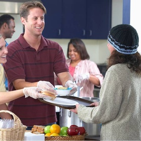 Volunteer in a kitchen for the less fortunate at Christmas - Bucket List Ideas