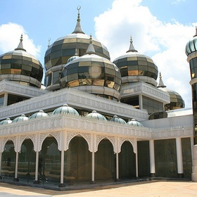 Crystal Mosque (Masjid Kristal) : Kuala Terengganu, Terengganu, Malaysia - Bucket List Ideas