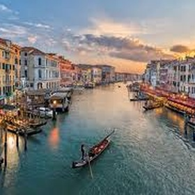 Sight-See Venice from a Gondola - Bucket List Ideas