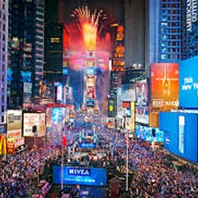 Spend NYE in Time Square - Bucket List Ideas