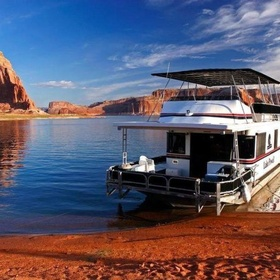 Rent a House Boat with Friends - Bucket List Ideas