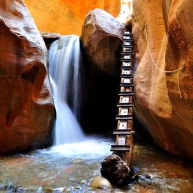 Go to  Kanarra Creek in Utah, USA - Bucket List Ideas