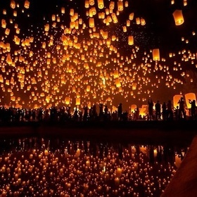 Floating lanterns - Bucket List Ideas