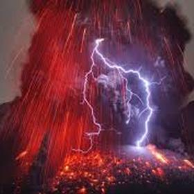 See an active volcano erupt - Bucket List Ideas