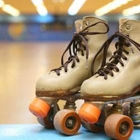 Go roller-skating at Oaks Park ( Oldest Skating Rink in America) in Portland Oregon - Bucket List Ideas