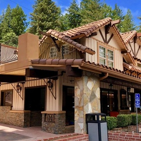 Stay at The Brookdale Lodge - Bucket List Ideas
