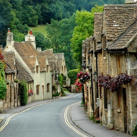 Walk through the streets of Castle Combe, England - Bucket List Ideas