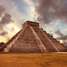 Mexico - Chichén Itzá - KuKulcan Pyramid - Bucket List Ideas