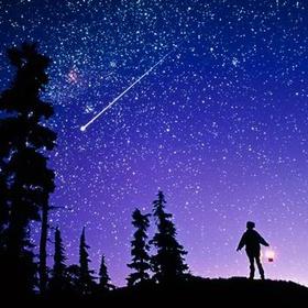 """مشاهدة تساقط الشهب """"Watch a meteor shower"""" - Bucket List Ideas"""