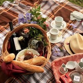 Plan a romantic picnic for two - Bucket List Ideas