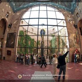 Salvador Dali Museum in Catalonia, Spain - Bucket List Ideas