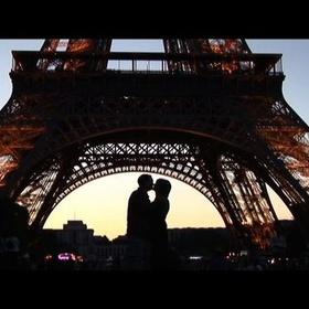 Make Out Under The Eiffel Tower - Bucket List Ideas