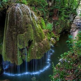 See the Bigar waterfall in Romania - Bucket List Ideas