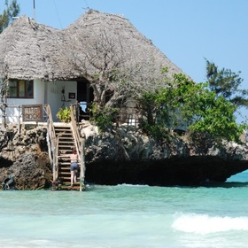 🍴 Eat at the Rock Restaurant in Zanzibar, Tanzania - Bucket List Ideas