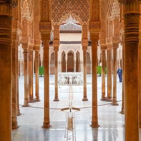 Visit Alhambra in Granada, Spain - Bucket List Ideas
