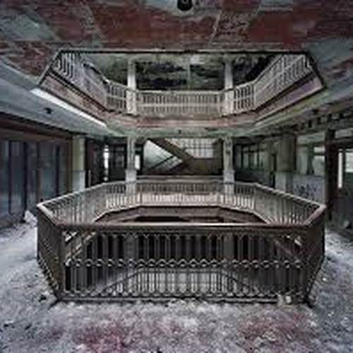 Explore The Ruins of Detroit - Bucket List Ideas