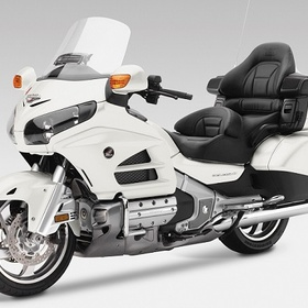 Ride a gold wing bike on route 66 with my woman - Bucket List Ideas