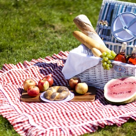 Have a picnic in a park - Bucket List Ideas