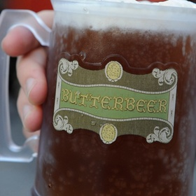 Drink a Butterbeer at Wizarding World of Harry Potter - Bucket List Ideas