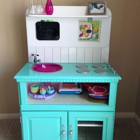 Make a little kitchen or work bench out of old furniture - Bucket List Ideas