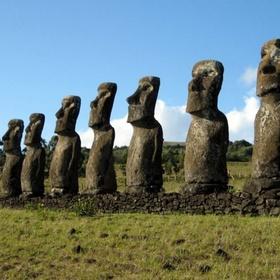Visit the moai statues of easter island - Bucket List Ideas