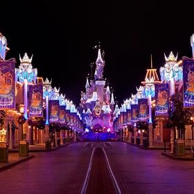 Visit Disneyland themepark, Paris, France - Bucket List Ideas