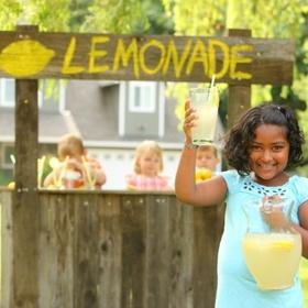 Buy LEMONADE from a LEMONADE STAND - Bucket List Ideas