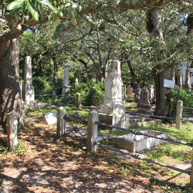 Visit Beaufort's Old Burying Ground - Bucket List Ideas