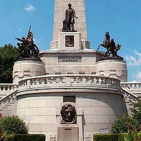 Visit Lincoln's Tomb - Bucket List Ideas
