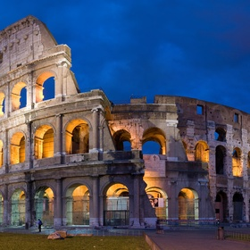Visit the roman colosseum - Bucket List Ideas