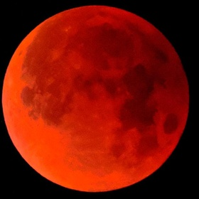 See a Blood Moon - Bucket List Ideas