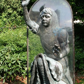 See the Alice Garden at Guildford Castle - Bucket List Ideas