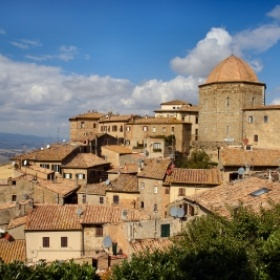 Visit Volterra, Italia - Bucket List Ideas