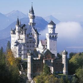 Visit Neuschwanstein Castle - Bucket List Ideas