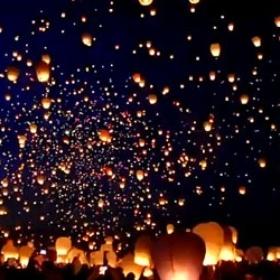 Participer à un grand lancé de lanternes - Bucket List Ideas