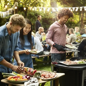 Invite friends for a barbecue - Bucket List Ideas