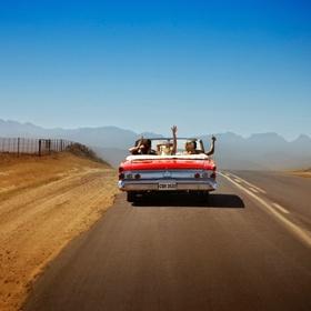 السفر براً بسياره مكشوفه في رحلة للفتيات فقط  - Bucket List Ideas