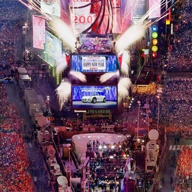 Visit Times Square (on NYE) - Bucket List Ideas