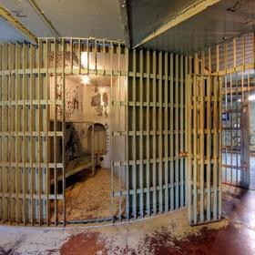 Visit the squirrel cage jail museum - Bucket List Ideas