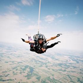 Try sky diving - Bucket List Ideas