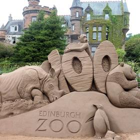 Go to Edinburgh Zoo - Bucket List Ideas