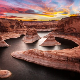 Hike Reflection Canyon in Utah - Bucket List Ideas