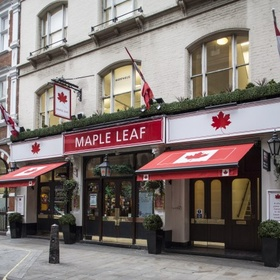 Drink at the Maple Leaf in London - Bucket List Ideas