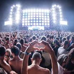 Go to a music festival with my friends from school - Bucket List Ideas