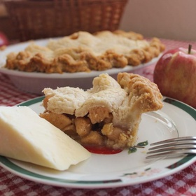 Eat an Iconic State Food - Vermont (Apple Pie with Cheddar) - Bucket List Ideas