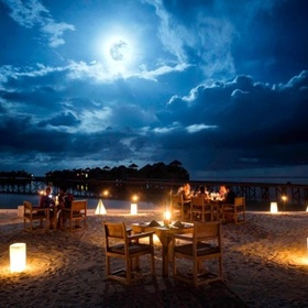 Have a late night picnic under  a full moon - Bucket List Ideas